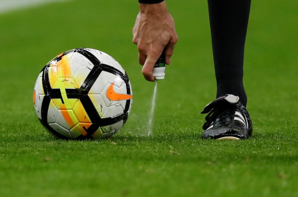Referee-1024x679