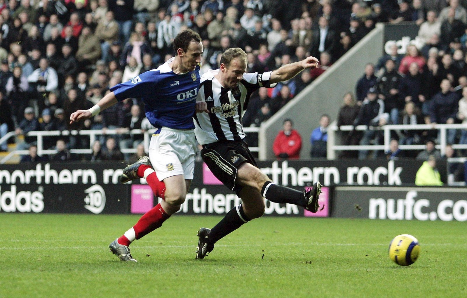 Alan Shearer scores the record breaking goal