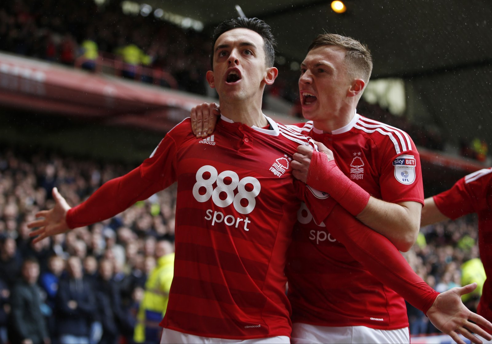 'There will be absolute scenes' – some fans are desperate for Bolton to sign Nottm Forest man
